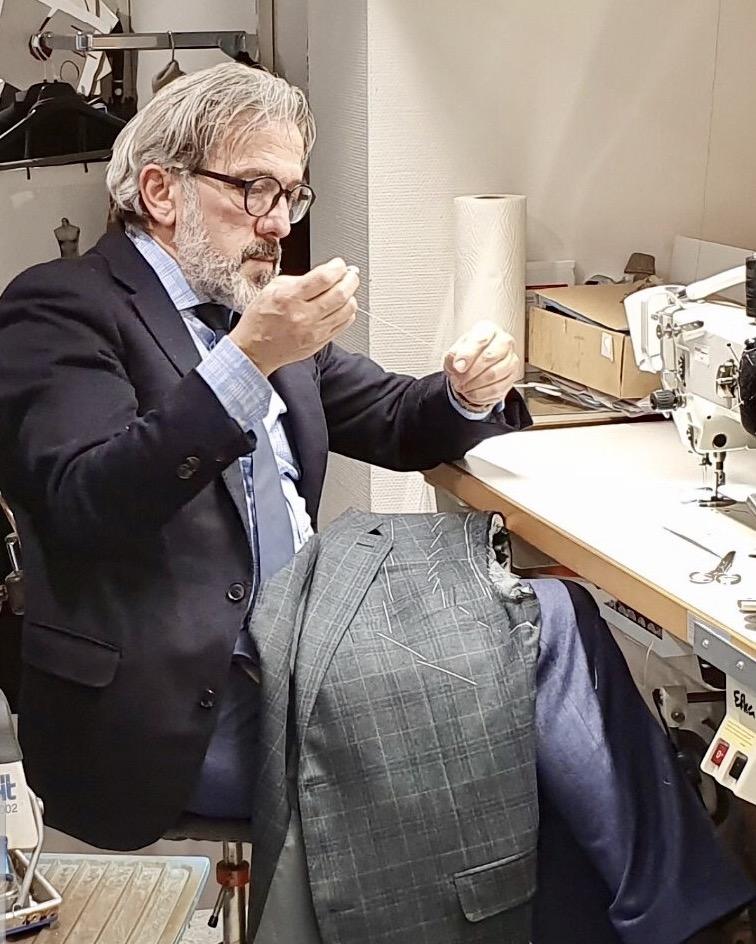 Schneidermeister Vincenzo Lucente